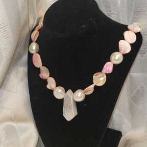 Druzy shell and Pearl necklace
